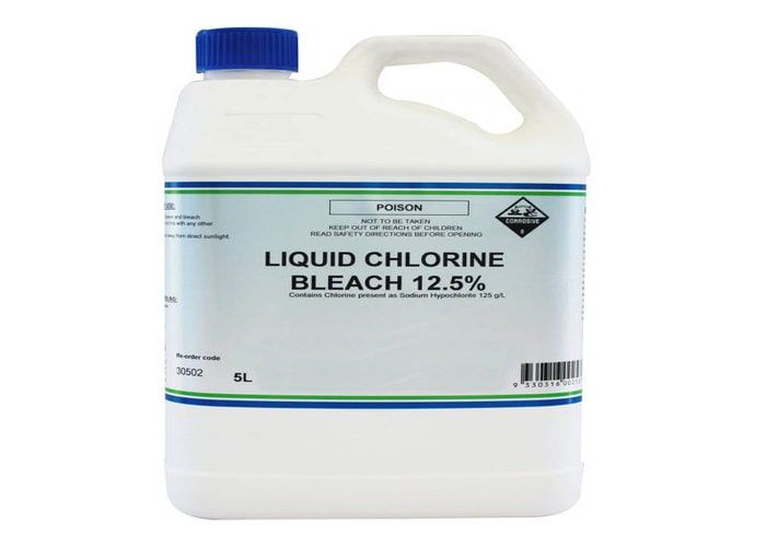 liquid chlorine to remove mold from wood