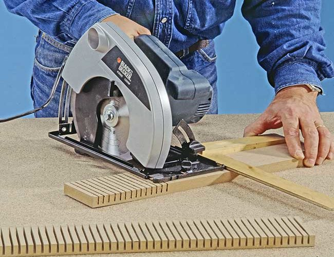 Bend Wood with the Kerf-cutting Method